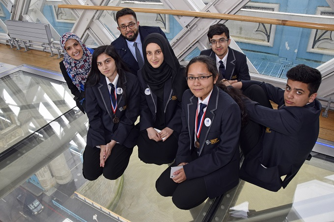 Aamir's mentees and Enterprise Challenge Grand finalists from Dixons Kings Academy