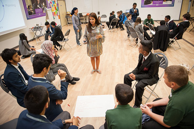 Melody Hossaini with Enterprise Challenge students